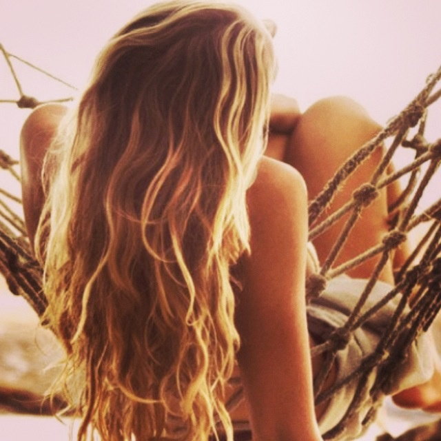 Amazing beach extensions create the look with a sea salt spray during winter !