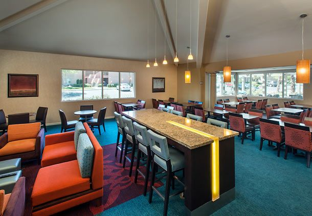 Throughout the main floor of our hotel, you'll find the perfect spot to read a book, watch TV, work on your laptop with our complimentary Wi-Fi or gather with friends. From individual areas to sit, eat or watch TV to a warm fireplace, there are a variety of elements to help you relax and enjoy your time in the area.