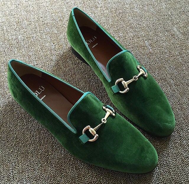 Beige Linen Suit with same color green Pocket-Chief plus these Slippers... Dapper!!