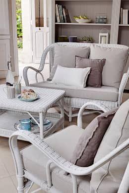 Rattanmöbel werden meist mit dem Garten in Verbindung gebracht, doch sie machen sich auch sehr gut im Wohnzimmer! Hier ein weiteres Beispiel von KOK.