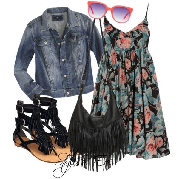 Love this hippy/vintage look with fringe bag. And floral print! (Stylish Eve)