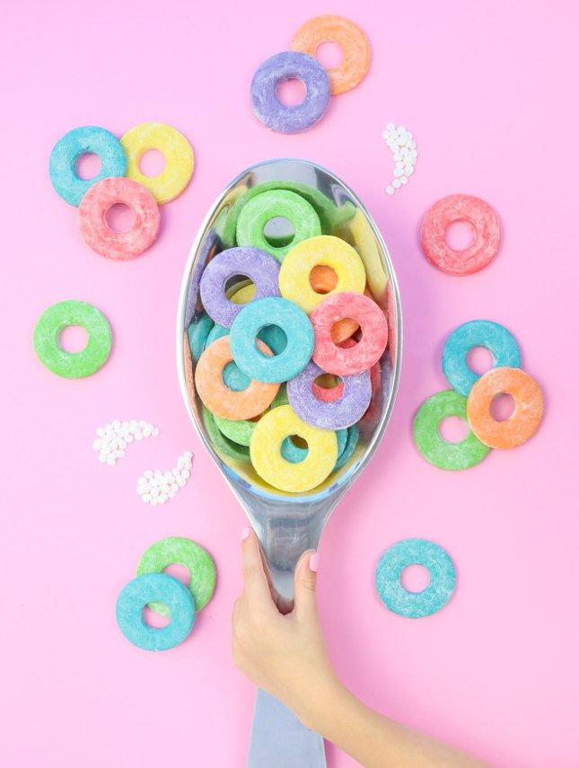 These giant Froot Loop Sugar Cookies would be seriously fun for a sleepover wouldn't they?! So super easy to make.
