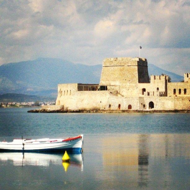 Lovely #nafplio  #greece#greekstagram#thegreeceguide#ilovegreece#peloponese#visitgreece#travel#instagreece#growingupgreek Photo by @georgeworld