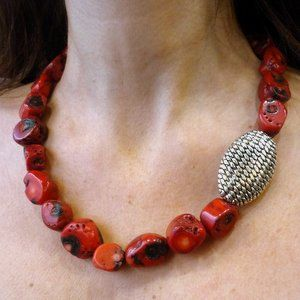 Red coral stones statement necklace with oxidized silver piece.
