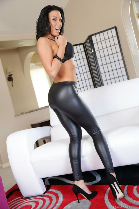 Pin By Ghon Doe On Rachel Starr In 2018 Pinterest Latex Leather And Leggings