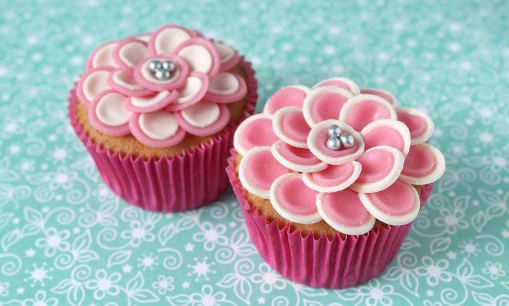 Cupcakes met bloemen van marsepein recept | Dr. Oetker