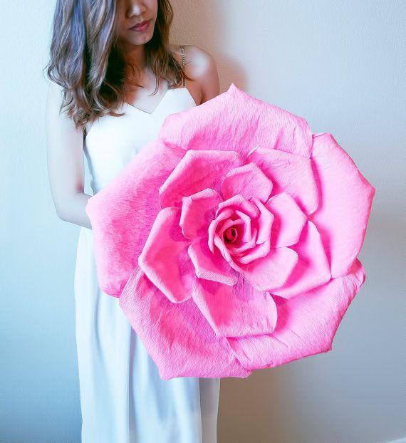 Handgemachte riesige Krepp-Papier Blume mit von JJFlowersAndCrafts