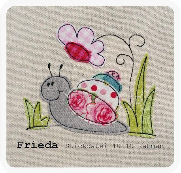 **♥ *Frieda* für den 10x10 Rahmen ♥** **>> SOFORTDOWNLOAD <<** _**Frieda im Gras als Doodle-Stickdatei. Perfekt um Stoffreste aufzubrauchen.**_ Es wir ein Rahmen ab 10x10...