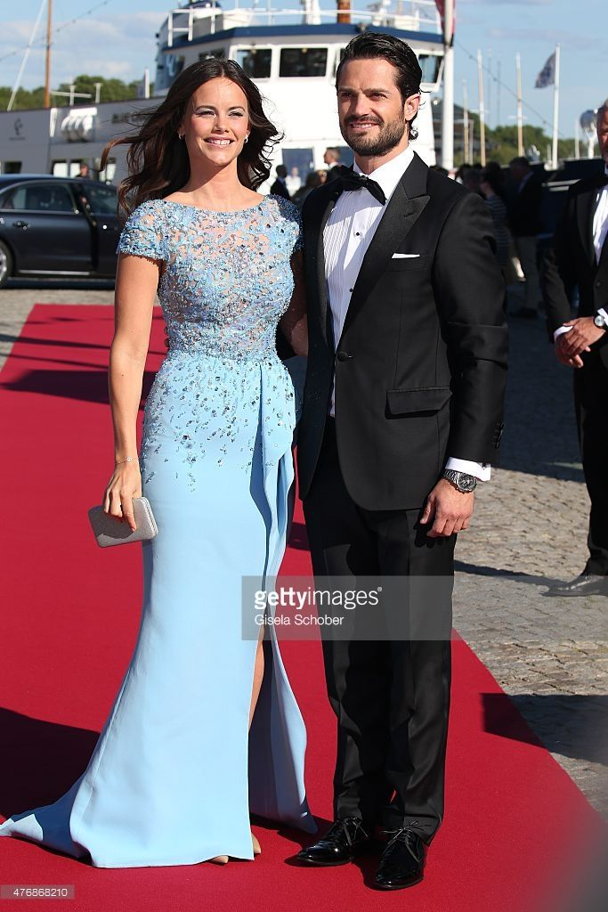 Prince Carl Philip of Sweden and Sofia Hellqvist arrive for the private Pre-Wedding Dinner of Swedish Prince Carl Philip and Sofia Hellqvist on June 12, 2015 in Stockholm, Sweden.  (Photo by Gisela Schober/Getty Images)