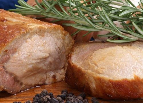 A delicious recipe for roast pork with rosemary and garlic you can prepare at home to serve family and friends.
