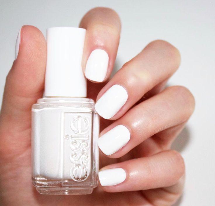 White Nail Polish Trend: Best 25+ White Pedicure Ideas On Pinterest