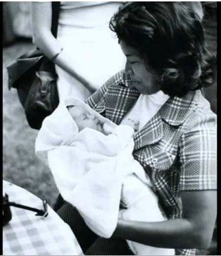 1958, 08.29 Michael Joseph Jackson was born at 7.33pm, in St. Mercy Mary Hospital, Gary, Indiana