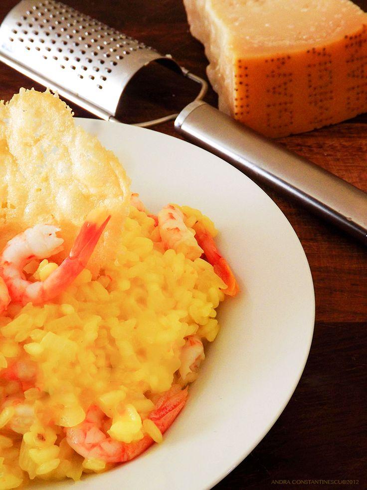 Secretul pentru un risotto ca in Italia? Un orez special si cateva ingrediente de foarte buna calitate. Risotto cu sofran si creveti – reteta si tehnici de preparate.