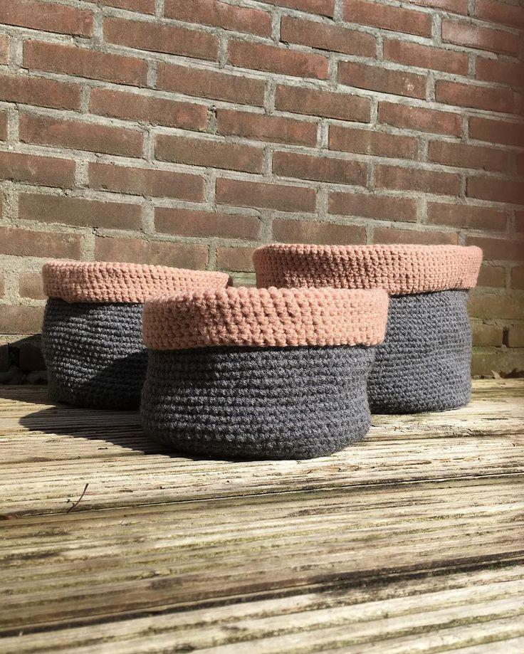 Gehaakte manden in twee kleuren . Patroon nog even netjes uitschrijven  zodat deze ook op de website (online medio april) kan worden gezet.  Crochet baskets. Only have to write the pattern down so it can go on the website  (launch mid april). #crochet #basket #mand #interieur #interiordesign #interior #diy #grey #50shadesofgrey #grijs #pinkisthenewblack #oudroze #pastel #launch #website #pattern #crossstitch #homedecor #pillow #cushion #blanket #wood #stonewall #easy #eenvoud #melon #garden…