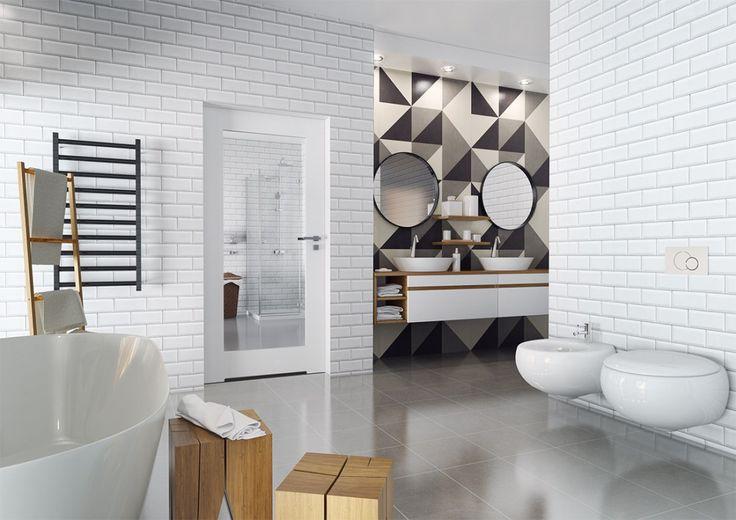 Drzwi łazienkowe z lustrem zamontowane w ukrytej ościeżnicy.
