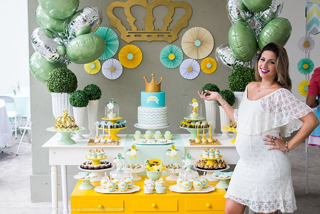 photo cha de bebe do Davi_RakaMinelli  festa chevron amarelo cinza verde coroa menino party gray yellow chevron green boy crown cake pop cupcake