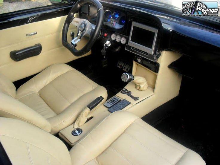 Belo Chevette Rebaixado na suspensão Fixa + Rodas 17 e Interior com revestimento em Couro Creme com painel digital