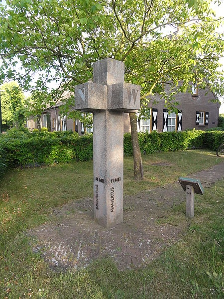 Het Hagelkruis / Sculptuur voor de IJsheiligen.