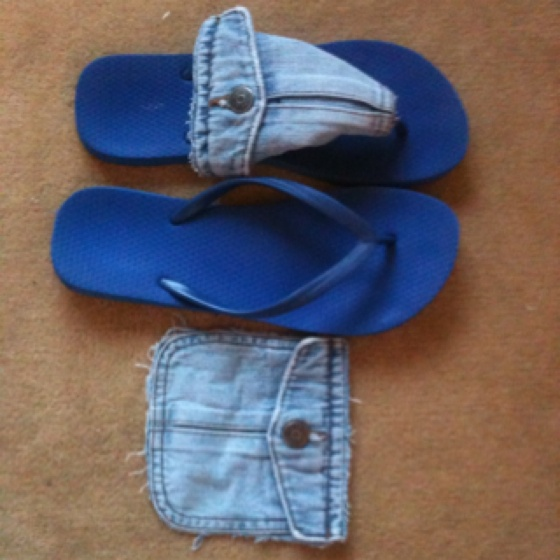 DIY: flipflop refashion from old jeans pocketFlipflops Refashion