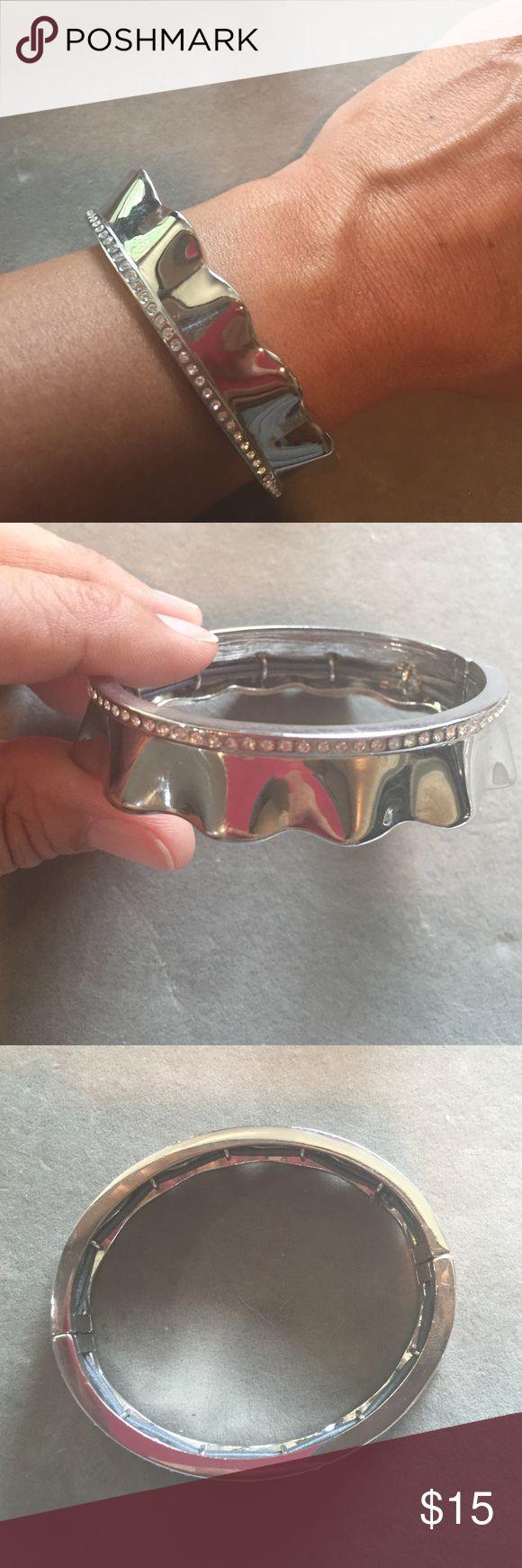 Lia Sophia stretch bracelet Lia Sophia stretch bracelet Lia Sophia Jewelry Bracelets