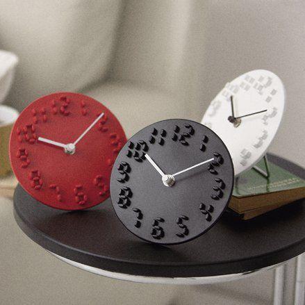 デジタルなアナログ時計。CLION - まとめのインテリア / デザイン雑貨とインテリアのまとめ。