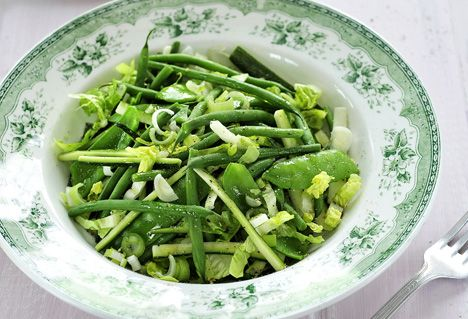 Frisse zomersalade van courgette en boontjes -  recept: http://www.detafelvantine.be/bericht/salade-salade-van-courgette-en-boontjes