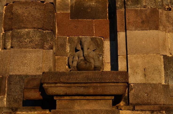 Ganesha Utkutikasana