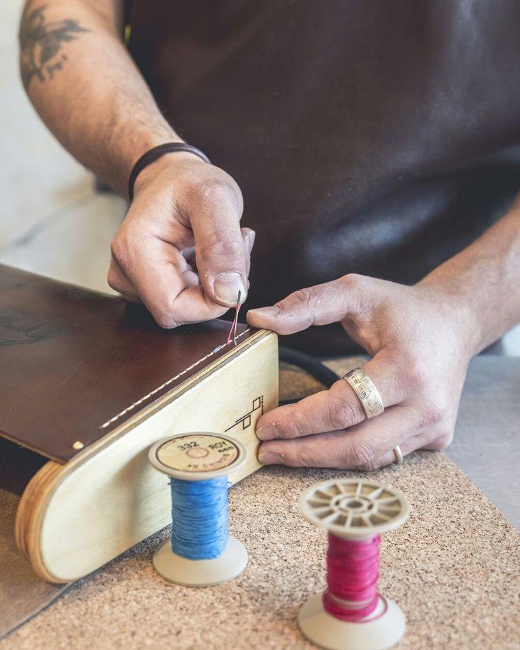 Sac en bois et cuir Création Damien Béal Leather wood bag Www.laboutiquedamienbeal.com