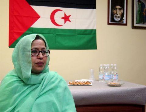 """La Delegada del Polisario en España: """"Se habla ahora de refugiados... pero ya llevamos 40 años en el desierto"""" - Público.es"""