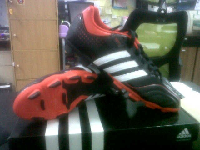 New Adidas 11 Questra