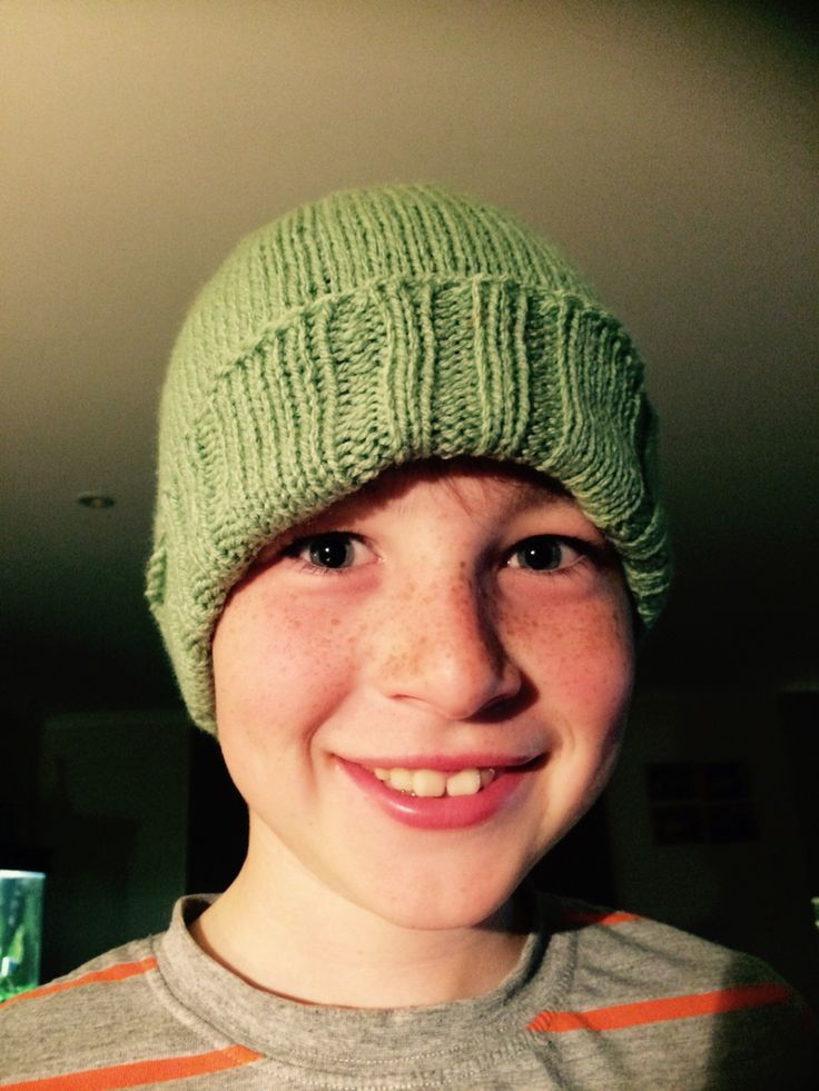Love the colour of this beanie for Cooper. So easy to knit. 2 days and it was done.
