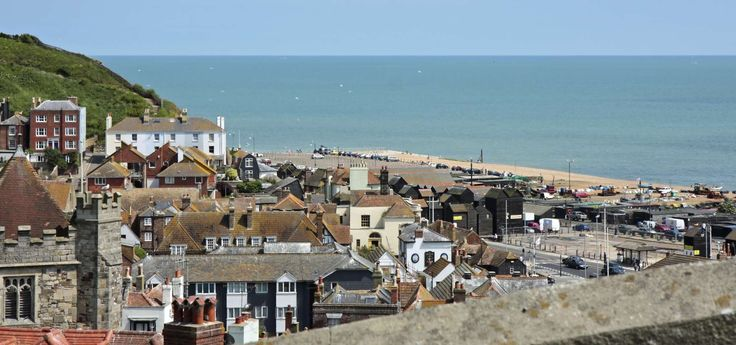 #Hastings This beautiful seaside resort on the south coast of England is only 90 minutes by train away from the centre of London. https://www.esl-languages.com/en/adults/learn/english/hastings/england/index.htm