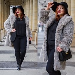 Alice -  - French Curves Faux Fur