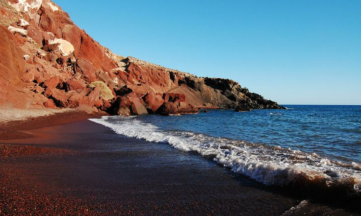 Red Beach. www.secretearth.com/attractions/224-ancient-akrotiri