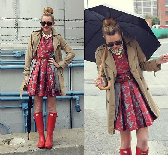 gumboot love: Rainboot, Rain Outfits, Rain Boots, Style, Dresses Boots, Hunters Boots, Rainy Day Outfits, The Dresses, Trench Coats
