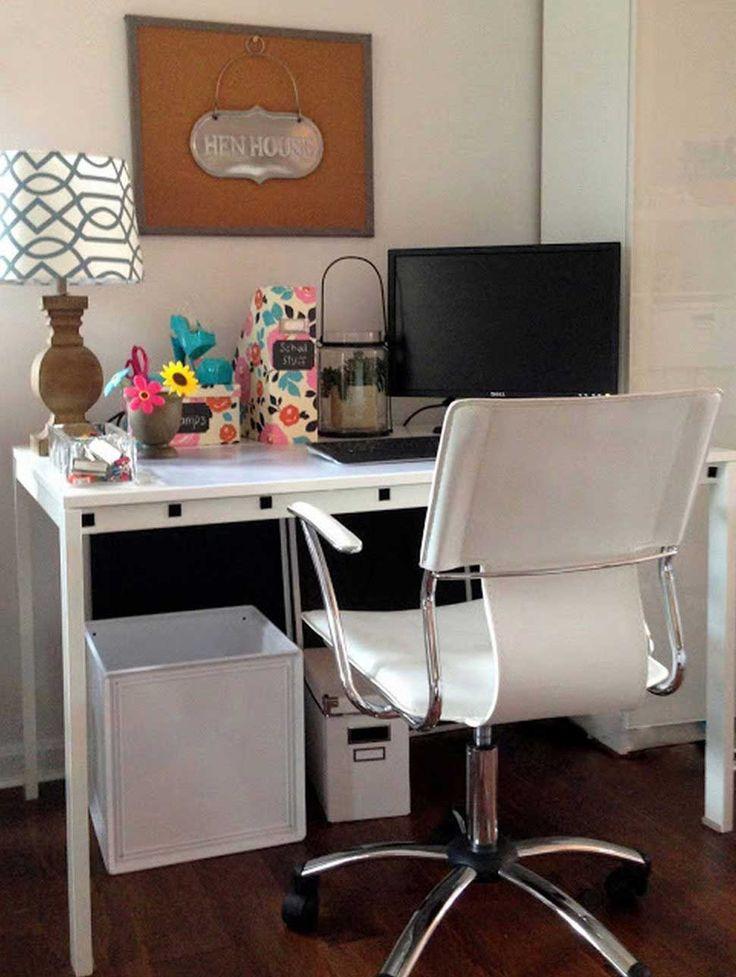 22 Charmantes minimalistisches Büro Schreibtisch Dekor