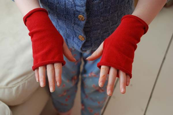 Recycle old lycra tights into Finger less Gloves