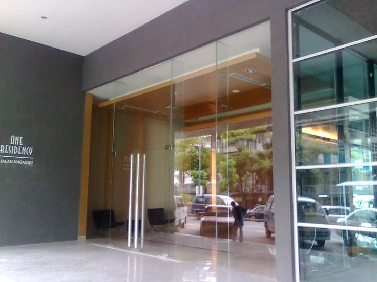 One Residency Condo , JLN Nagasari , KL - ~~ One Residency Condo For Rent @ Jalan Nagasari , KL ~~ Details: -745sf -1R1B -Fully furnished . -Have Sauna facilities. -Nearby with Monorail Station. -Nearby with shopping complex like Pavillion,Time Square,Sungai Wang and etc. -Nearby with food stall,mini market,barber shop and etc. -Fully security. -Price rent is RM3500/month. *** This property is arguably one of the best in its range a MUST view *** Appreciate to view with appo