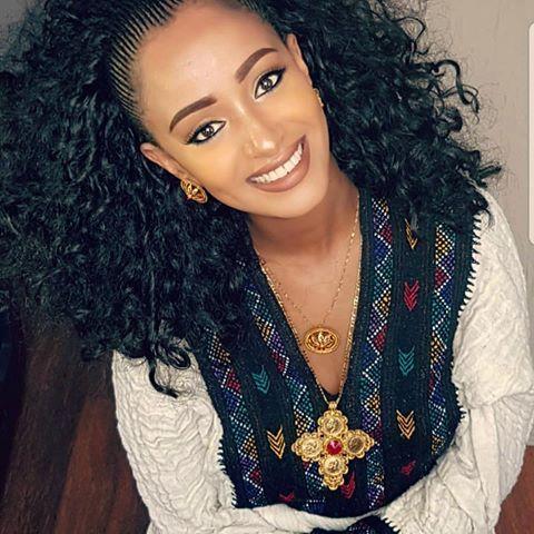 Pin Di Cahyo Suminar Su Habesha Beautiful Dresses Abbigliamento Capelli Etiopia