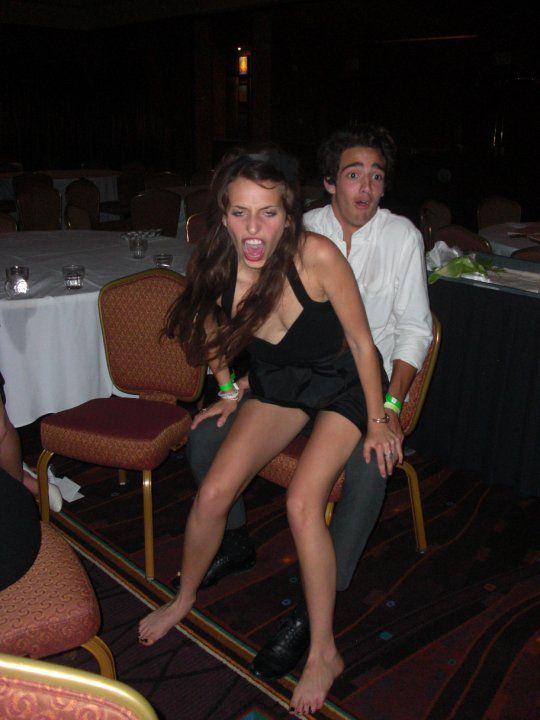 Gettin a seductive lap dance | Funny pictures for kids