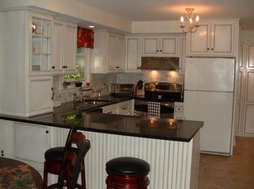 Stove next to refrigerator picture small u shaped for Tiny u shaped kitchen ideas