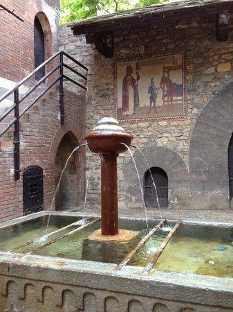 Oltre 25 fantastiche idee su fontane di acqua in casa su pinterest piscine fatte in casa - Fontane da casa ...