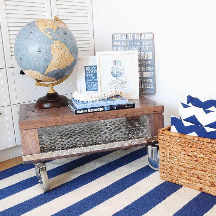 A Hampton szőnyeget egyszerű design, ízléses színvilág és minőségi anyaghasználat jellemzi. Ideális gyermek szobákban, nappalikban, vidám boho stílusú hálószobákban is. #szonyeg #csikos #csikosszonyeg #retroszonyeg #matroz #matrozmintas
