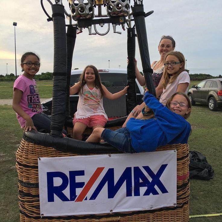 #remax #remaxlife balloon team future agents