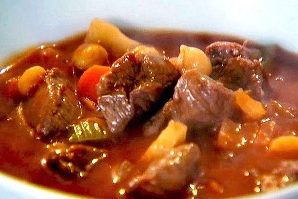 Шустрый повар.: Гуляш из говядины с картофелем