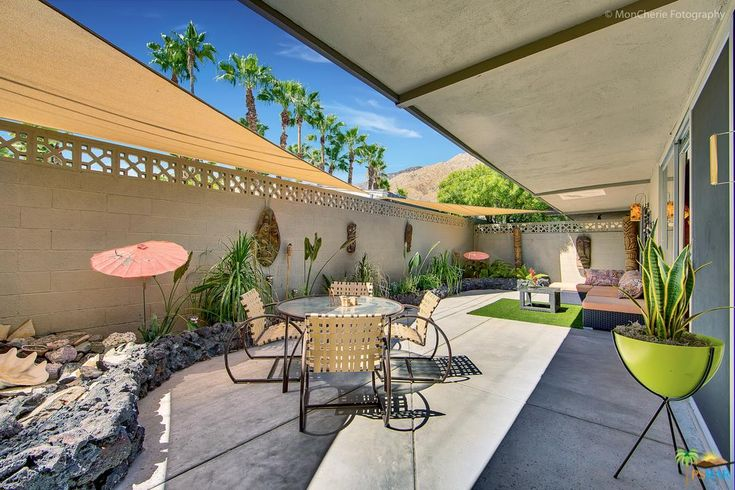 119 TWIN PALMS Drive | Palm Springs condos & apartments for sale – real estate