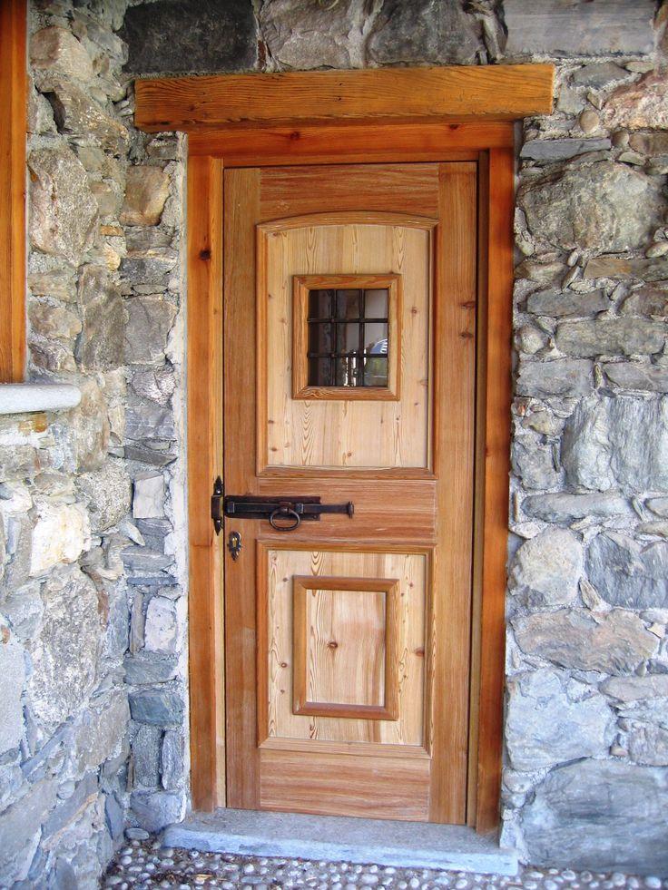 Portoncino d'ingresso rustico / Rustic entry door