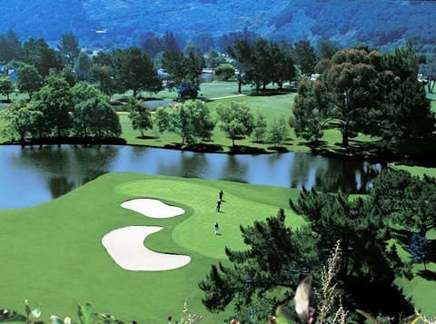 The Quail is a magnificent par 72, 18-hole championship golf course that has become an Okanagan Valley favourite since the day it first opened.