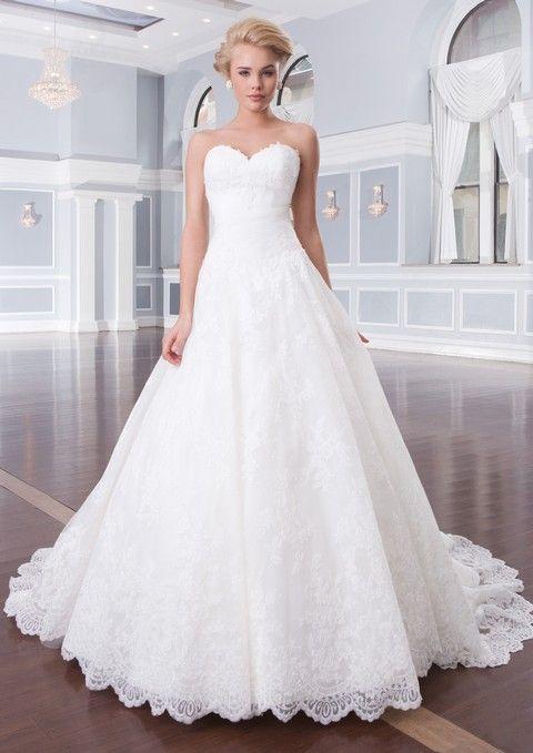 Celokrajkové biele svadobné šaty korzetové, svadobný salón Valery