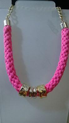 collar trenzado con trapillo y plastimetal